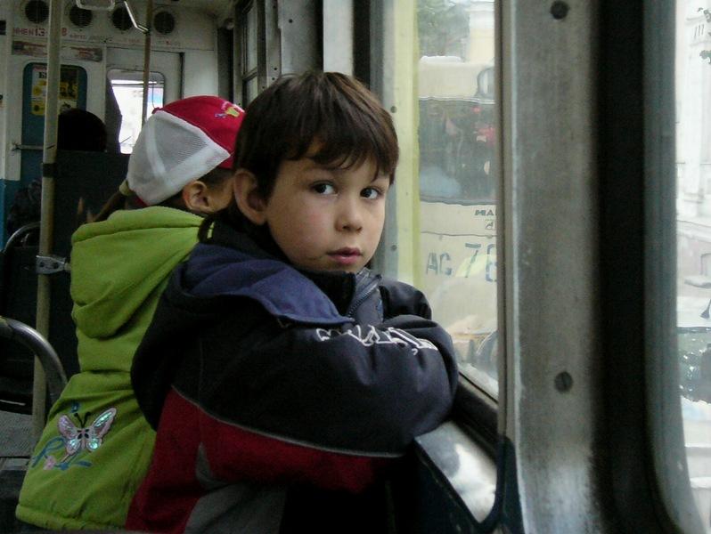 Белорусские школьники смогут ездить бесплатно только к месту учебы и только...